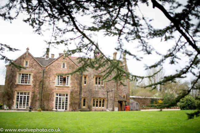 spring wedding at maunsel house